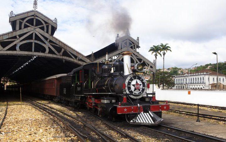 Trem turístico que liga São João del-Rei a Tiradentes volta a circular